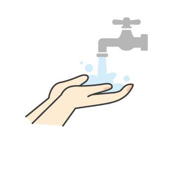 1 流水で手全体をよくぬらします。