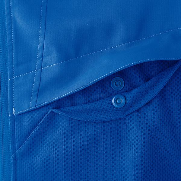 左胸ポケット(ドットボタン付き)